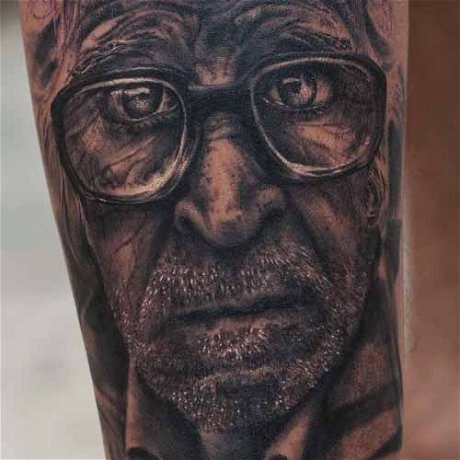 How to make a Realistic Old Man Portrait Tattoo